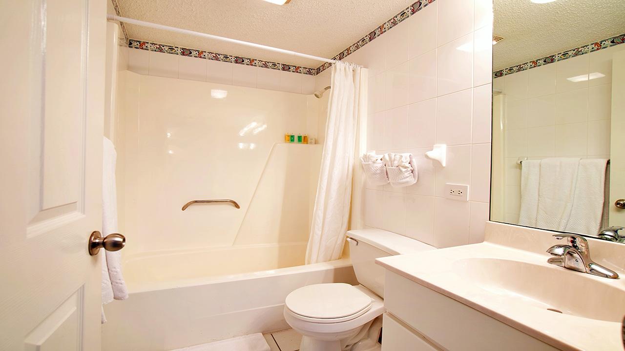 4. Master Bathroom_1280