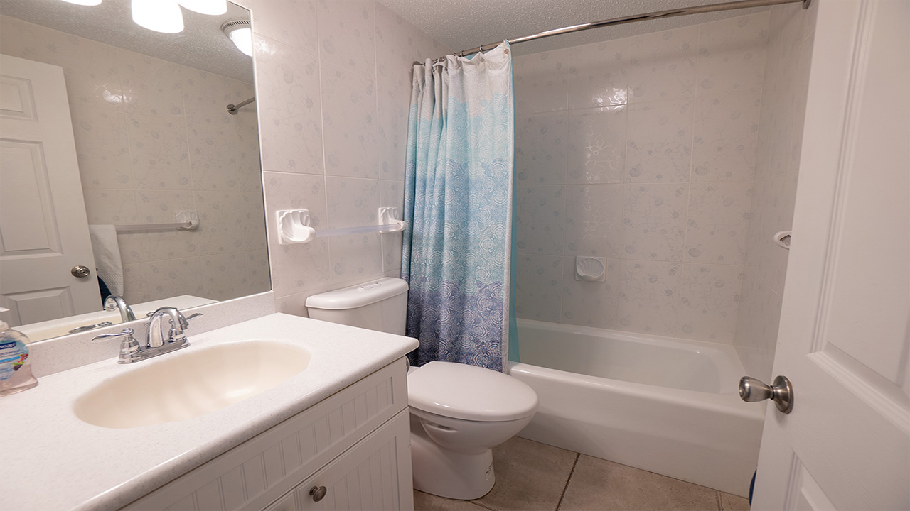 6. Bathroom 2_1280