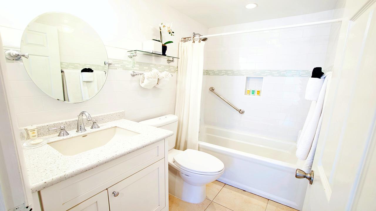 6. Bathroom 3_1280
