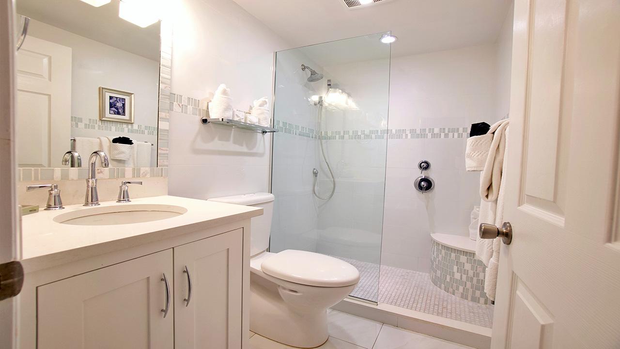 6. Master Bathroom_1280